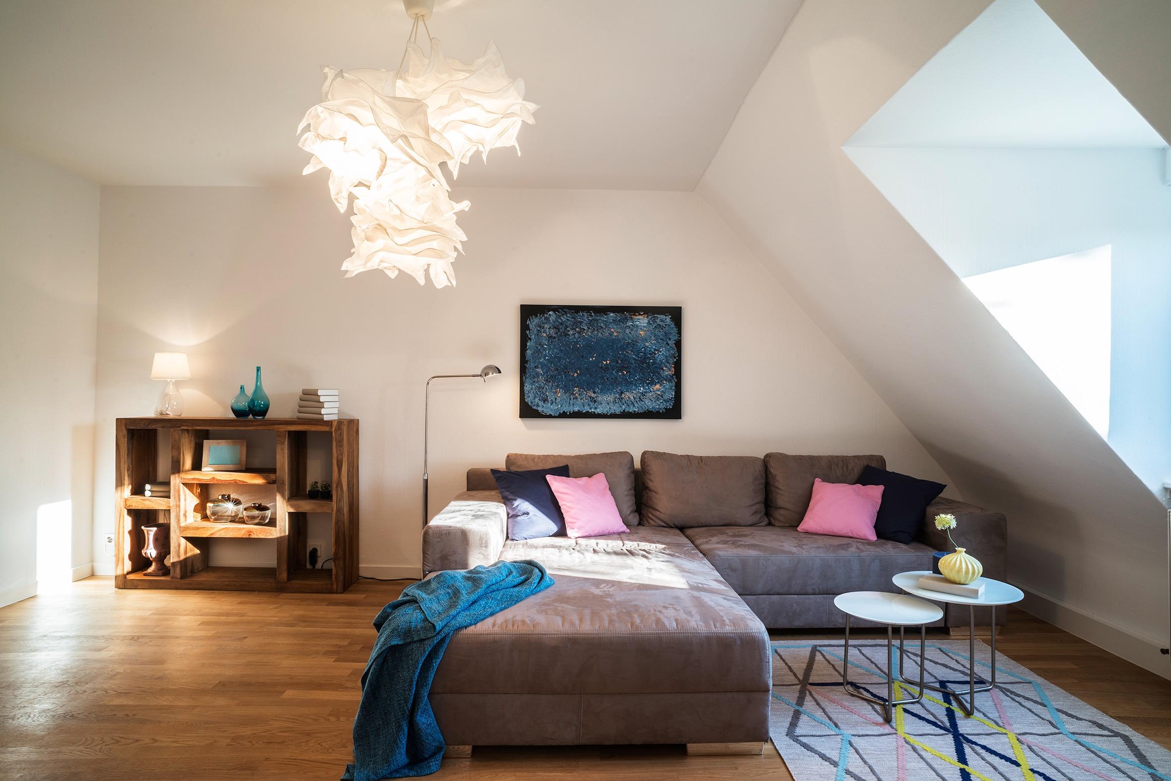 Dachgeschosswohnung stuttgart barbara l ffler - Wohnzimmer stuttgart ...